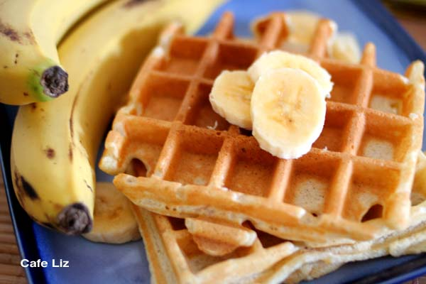 banana-waffles1-cafe-liz