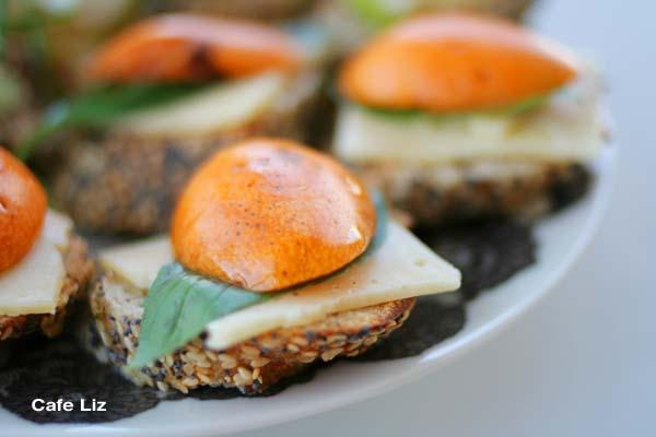 loquat-toasts3
