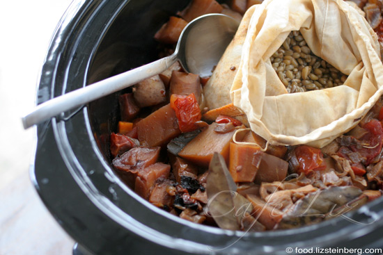 cholent-in-slow-cooker